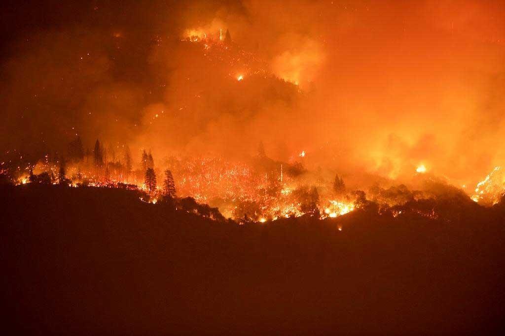 Willow Fire Burning at Night, Credit: Dennis Rein